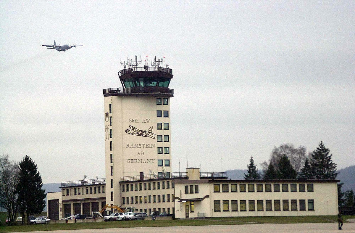 Ramstein AB Tower (Bild von TSGT David D. Underwood, Jr., US Air Force); Gemeinfrei.