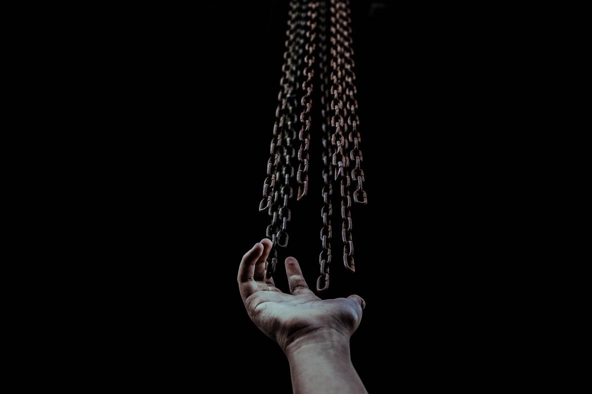 Freiheit oder Ketten. (Foto: Zulmaury Saavedra, Unsplash.com)
