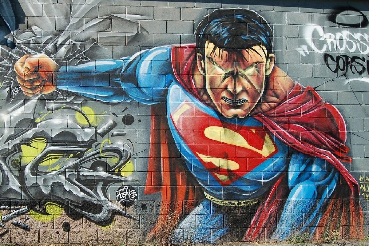 Wandgemälde mit einem Superhelden. (Foto: StockSnap, Pixabay.com,Creative Commons CC0)