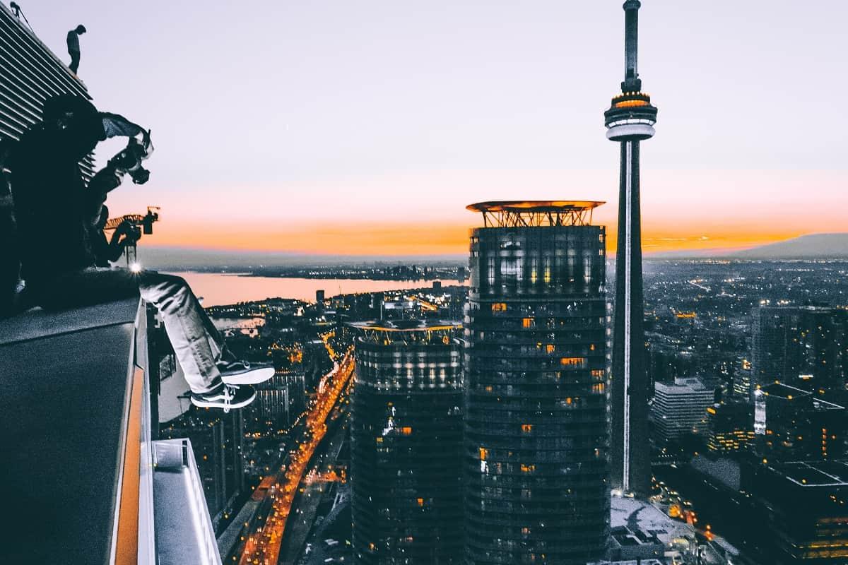 Blick vom Wolkenkratzer. (Foto: brxxto, Unsplash.com)