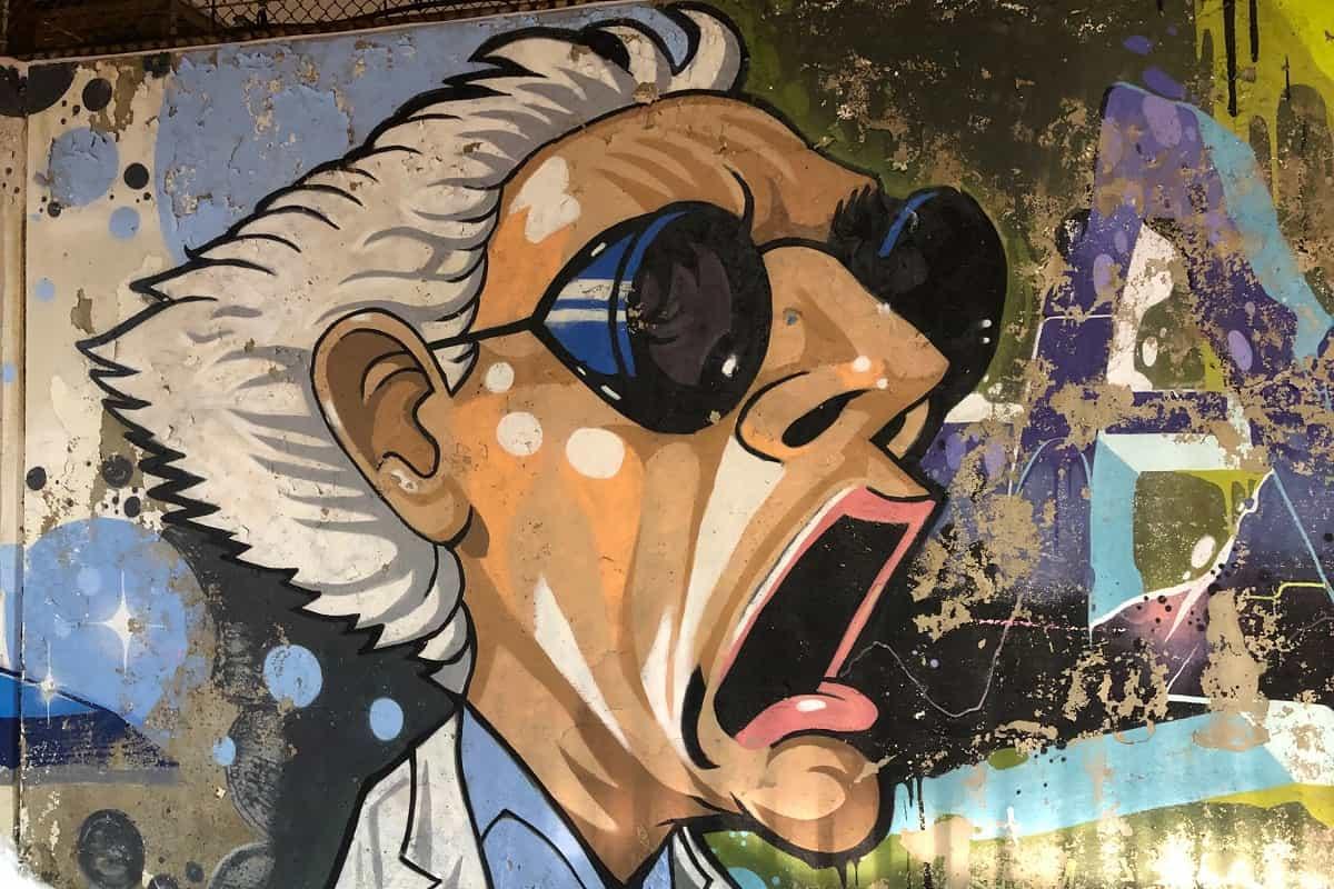 Der Tiefe Staat ist ein Thema, dem sich viele Autoren widmen. Die Kunst der Straße bleibt unberührt. (Symbolfoto: Brandi Ibrao, Unsplash.com)