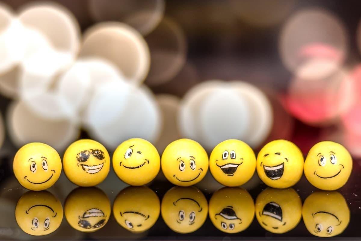 Emojis und Smiley. (Foto: Fausto Garcia, Unsplash.com)