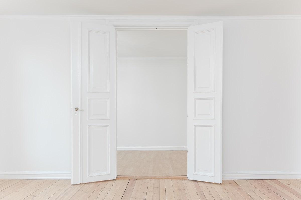 Die Türen stehen in der Bürokratie nicht weit offen. (Foto: Philipp Berndt, Unsplash.com)